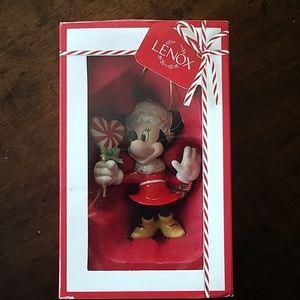 Disney Showcase Lenox Sweetheart Minnie ornament